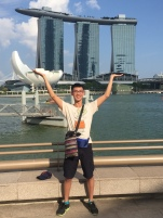 Became backpackers travel around the world,Singapore