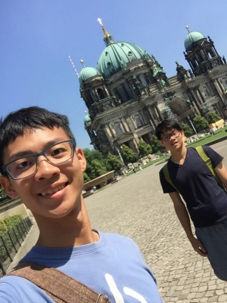 Became backpackers travel around the world,Berlin